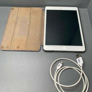 Apple iPad Mini Silver/White 16GB A1432 - Used
