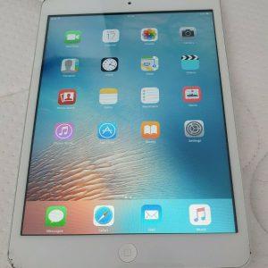 Apple iPad mini 1st Generstion 32GB, Wi-Fi, 7.9in - White & Silver